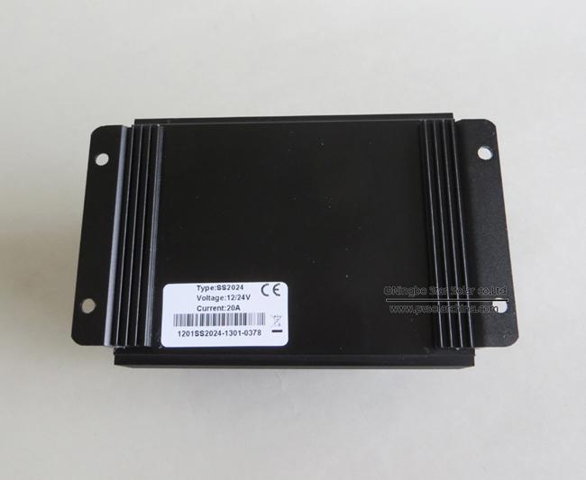 SS1024 10A 12V 24V SeaStar Solar Charge Controller (4)